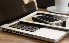 Blog-Image of a stack of a laptop a tablet and a smart phone for Technology Governing the Ungovernable blog post