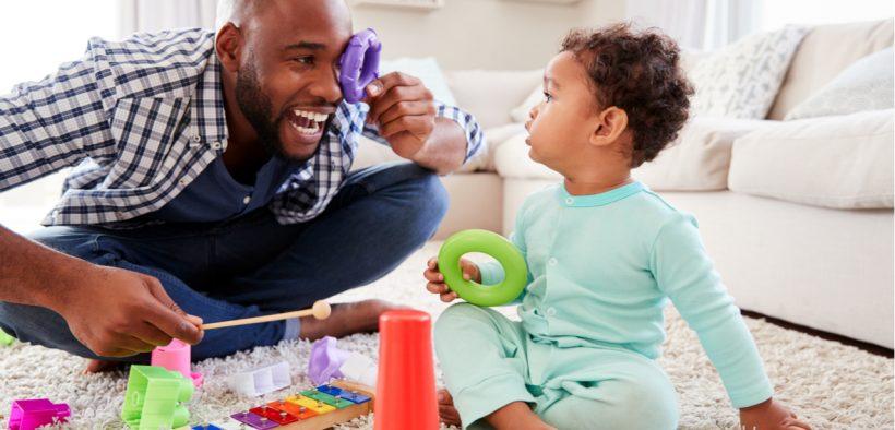 Un père avec un enfant
